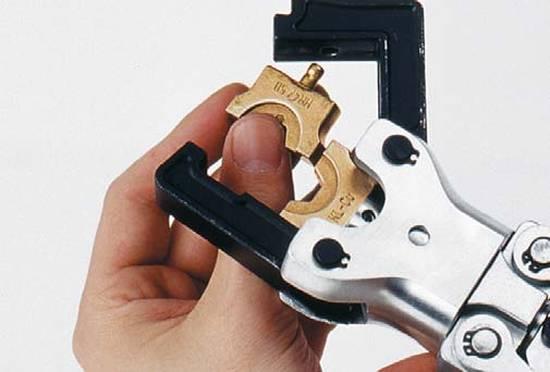 инструмент для опрессовки